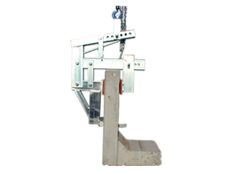 The Stone Angle Clamp is designed to perfectly align stone at a 90° angle ready for setting onto foundations.