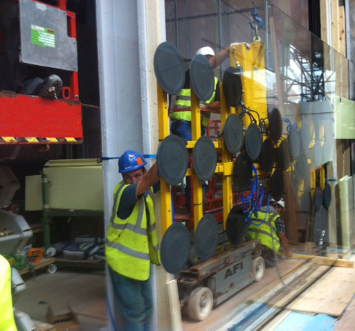 Installing Low Iron Glass With Ggr S Vacuum Lifter
