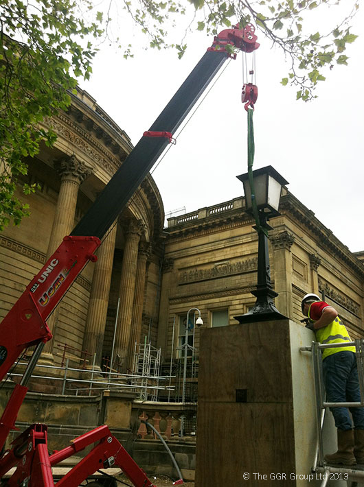 Lifting lamp-posts at Liverpool World Museum