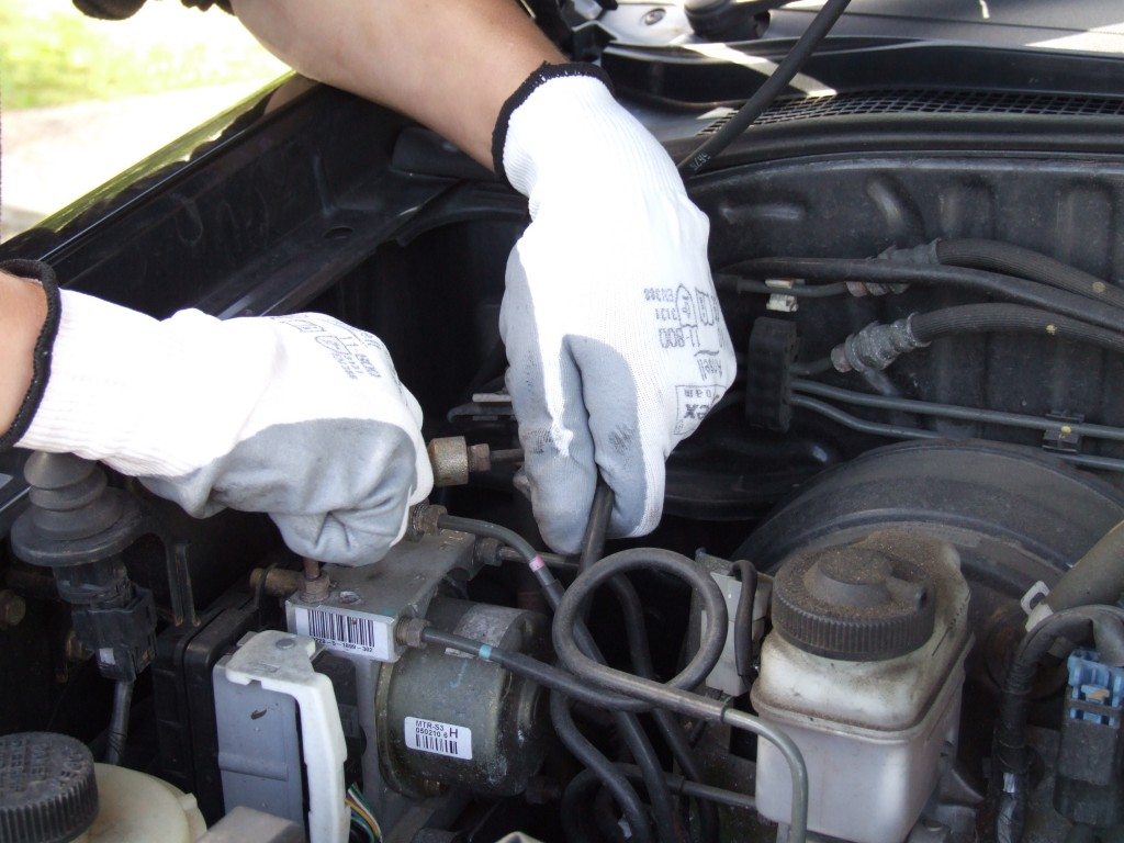 Hyflex protective gloves
