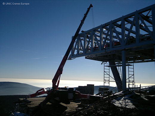 UNIC mini crane builds new cableway terminal
