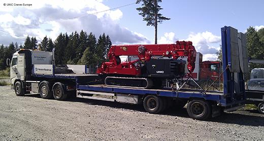 UNIC URW-706 leaving Knutsen Maskin depot for Kristiansand
