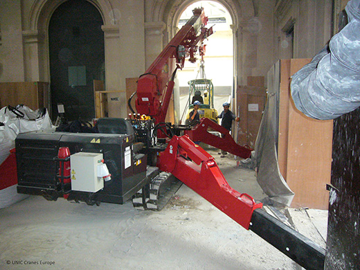 UNIC mini crane at the Monnaie de Paris