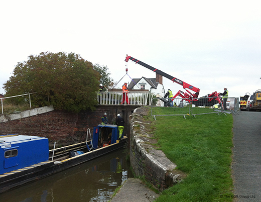 UNIC mini crane working on the Shropshire Union Canal