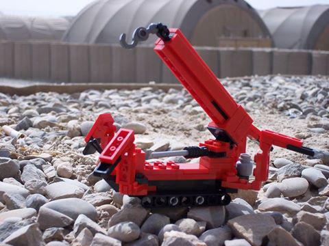 GGR's Lego UNIC mini crane in Afghanistan