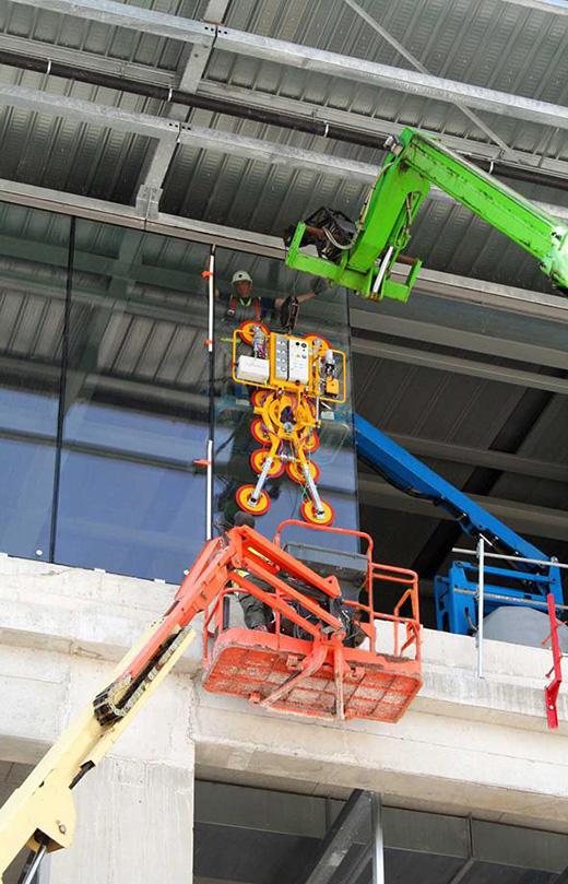Kombi 7441 Quadra installing glazing