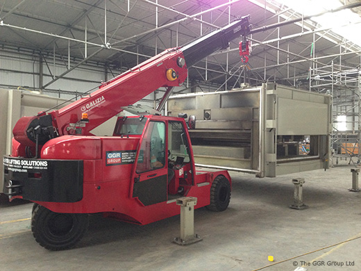F200E Plus pick and carry crane working in factory