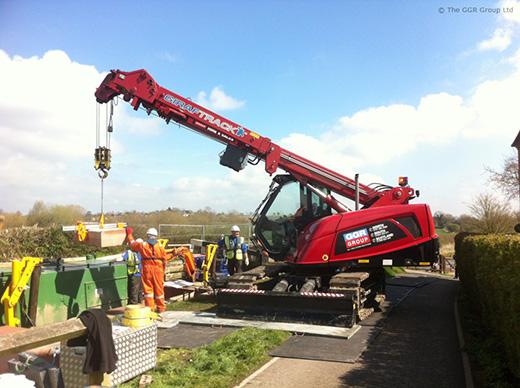 MCC805 crawler crane working on canal