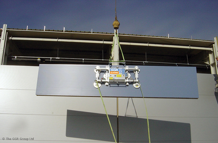 Cladding vacuum lifter