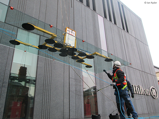 Hydraulica lifter installing canopy glass