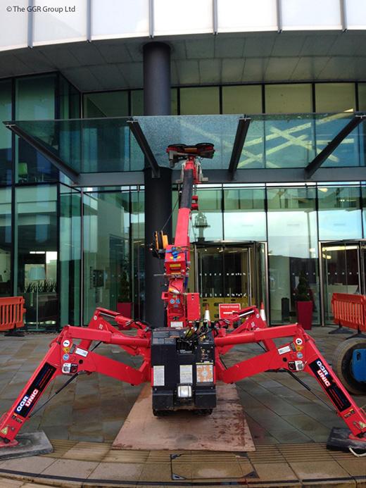 UNIC mini crane and GL-UMC600 replacing glass canopy