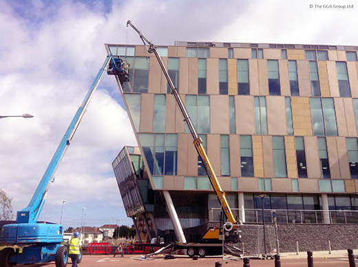 Starworker trailer crane replacing glass unit at BT building