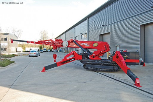 UNIC URW-1006 with fly jib