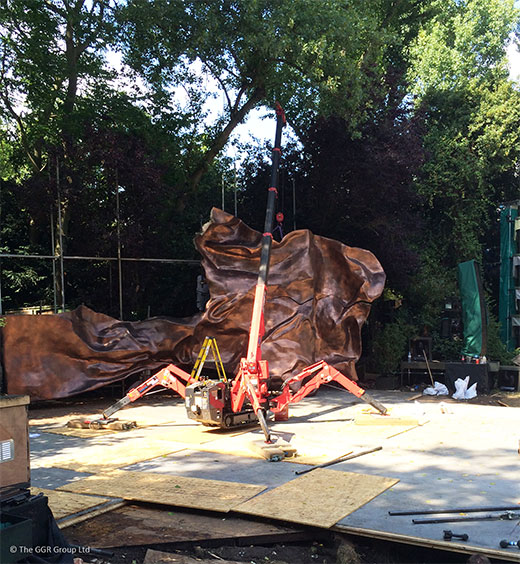 UNIC URW-095 mini crane building outdoor set