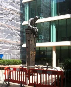 Tall Dreams statue in Sheffield