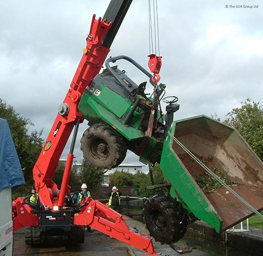 GGR mini crane lifts compact dumper