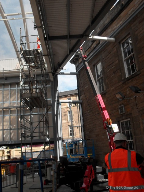 GGR mini crane working at Haymarket station