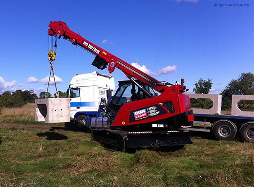 8 tonne mini crawler crane helps build a culvert