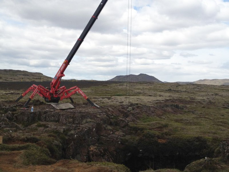 295 mini crane at cave opening