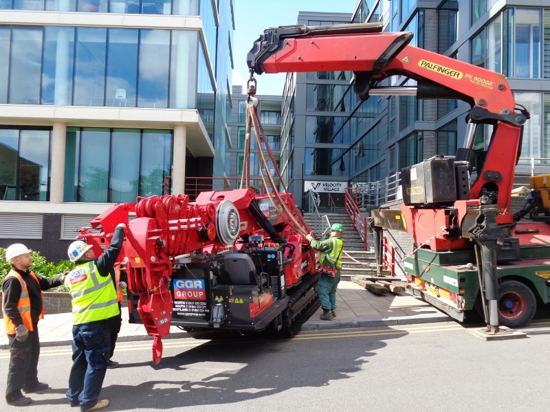 Crane being Lifted (1)