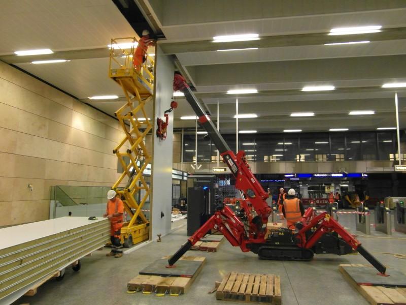 URW-05 working with Aspera 270 lifter