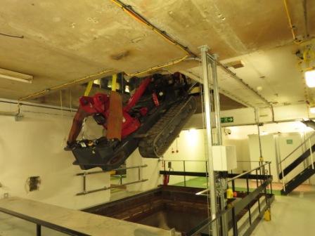 UNIC URW-706 Spider Crane Goes Nuclear