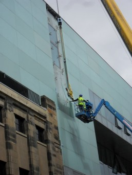 GGR Glass Vacuum Lifter Glasgow School of Art