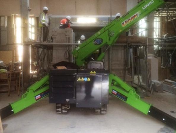 Zero emissions URW 376 mini crane helps build Hindu temple
