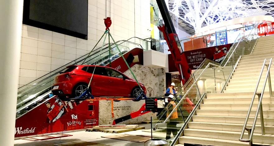 GGR Crane lifting Car