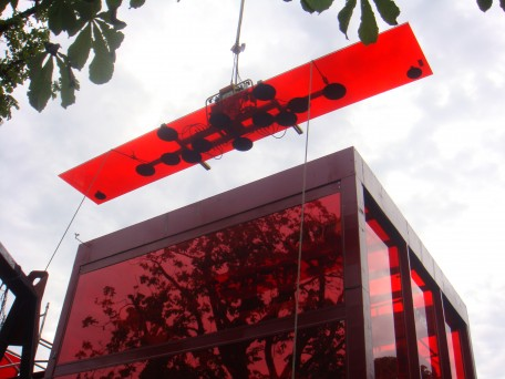 Hydraulica 1200 Installing Red Glass at Serpentine Gallery, London