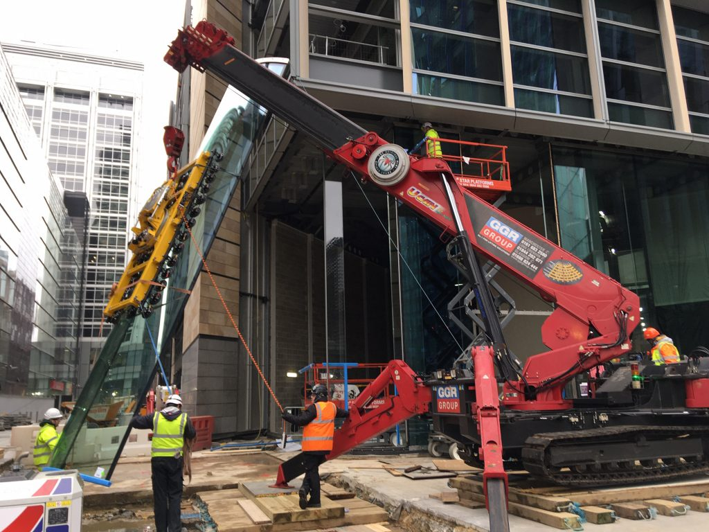Lifting Oversized Curved Glass